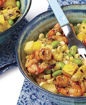 Salada tailandesa de milho e camarao