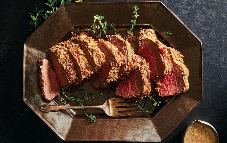 Lombo de Carne com Crosta de Parmesao e Pimenta